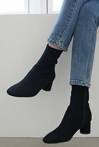 Suede span ankle boots