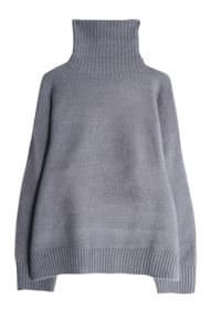 Soft berry turtleneck knit