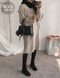 ROND V Wool Knit Dress