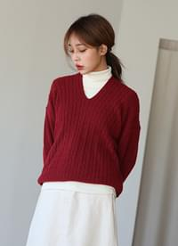 Tweezers V neck knit