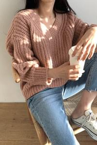 Pretzel V Neck Knit * Order rush!