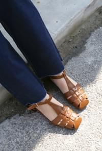 Leather woven strap sandals