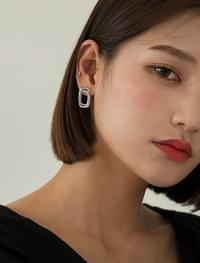 simple square design earring