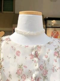 Two-tone pearl choker necklace