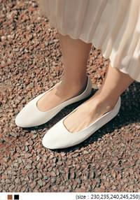 MERE COWHIDE FLAT SHOES