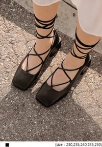 ROSES LACE-UP SQUARE MIDDLE HEEL