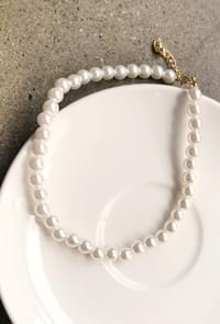 Choker Line Pearl Necklace