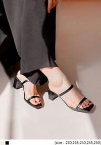 BERN SQUARE STRAP MIDDLE HEEL