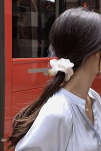 Satin scrunchy hair band