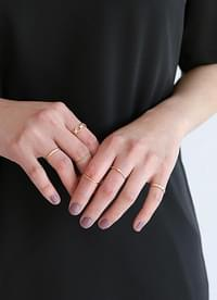 Simple layered ring