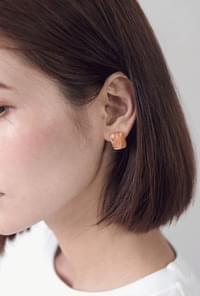 Ring-on-Miu earrings