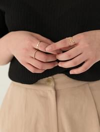 sensual layered ring set