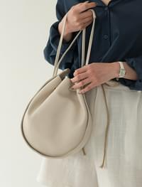 circle shape modern bag