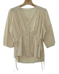 Waist ribbon blouse