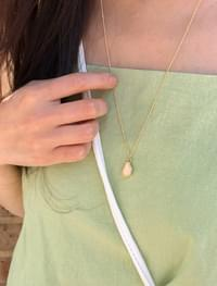 minimal point necklace