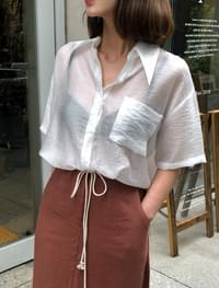 see-through collar blouse