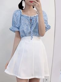 Picnic check shoulder blouse