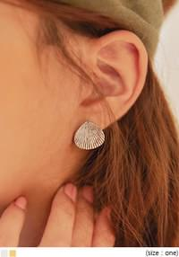 CLAM MINIMAL EARRING SET