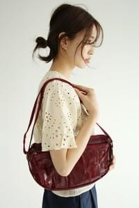 ethnic mood shoulder bag
