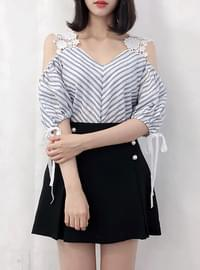 Vicky striped lace bl