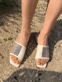 Ethnic strap slippers