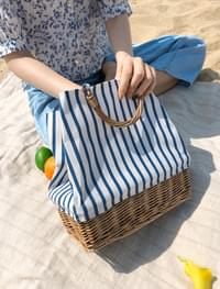 rattan stripe tote bag