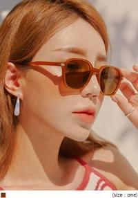DRONA SQUARE TINT UV SUNGLASS