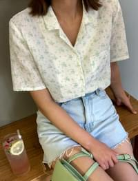 flower open collar blouse