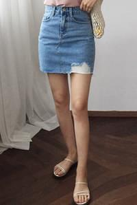 Timing denim skirt