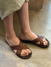 3-strap cross slipper