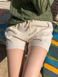 high-waist banding shorts