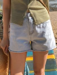 Hem-cutting short pants 3