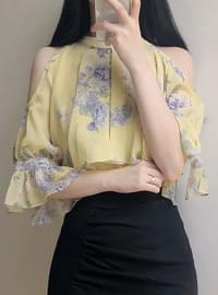 Sombride Shoulder Flower Blouse