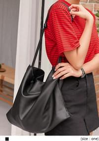 ALFRED KNOT SQUARE LEATHER BAG