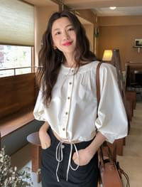 puff sleeve shirring blouse