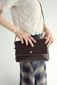 square shape leather bag