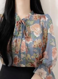 Hershey Flower Ribbon blouse