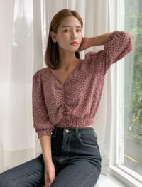 flower shirring crop blouse