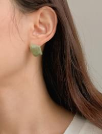 bold color stone earring
