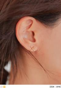 HOLIDAY X POINT EARRING