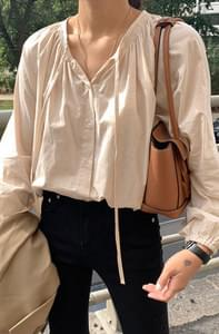 Brunch Shirring Blouse