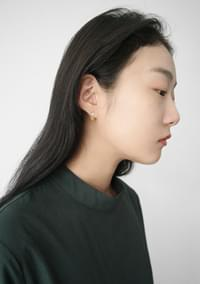 minimal point earrings