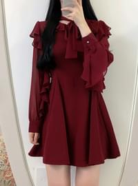 Valve Sleeve Ruffle Ribbon Dress