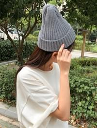 12 color daily beanie