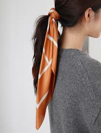 Silky long line scarf_C