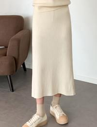 easy slit banding long skirt two-piece set banding knit long skirt