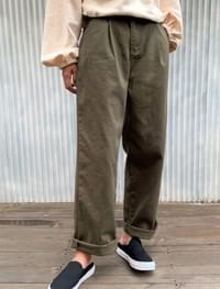 wide fit pintuck pants