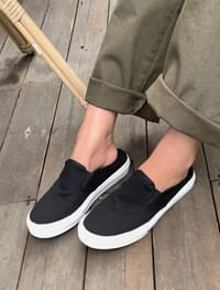 canvas sneakers mule