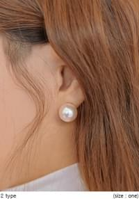 SIMPLE PEARL EARRING - 2 TYPE