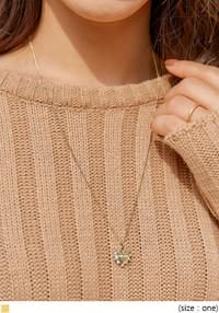 GOLD FLOWER HEART NECKLACE